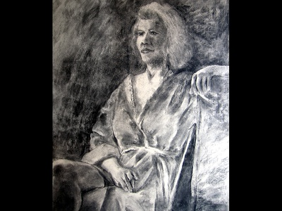 Relaxation sitting human figure woman artwork posing modeling live model figure drawing robe grey gray monochrome black and white charcoal drawing charcoal art drawing