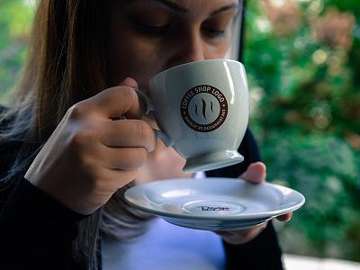 Models with Coffee Mugs Mockups freebie realistic model cups coffee mugs mockup mockups