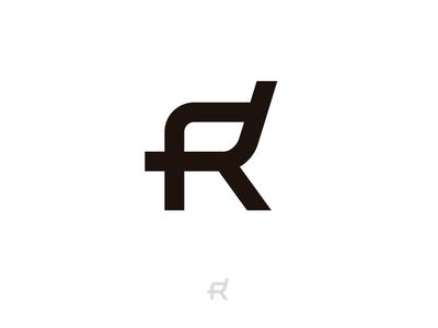 R + chair - Roomy logo