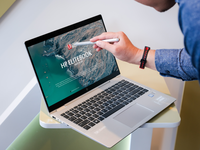 Free Man Using HP Elitebook Mockup