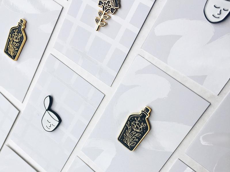 New pin backings! ✨ ottawa packaging uv spot gloss flower head illustration enamel pin face lapel pin enamel