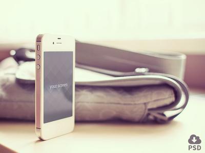 Free Iphone mockup - shot 2