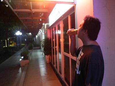 Drink Under Retro Light house place night photos photo light retro photographer photography