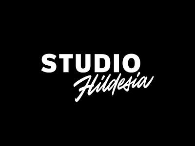 Studio Hildesia custom леттеринг hand-writing typography identity design calligraphy handwritten script font handwriting custom script script lettering logotype logo