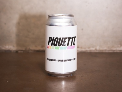 Piquette can label typography graphic wine minimal design winery illustration