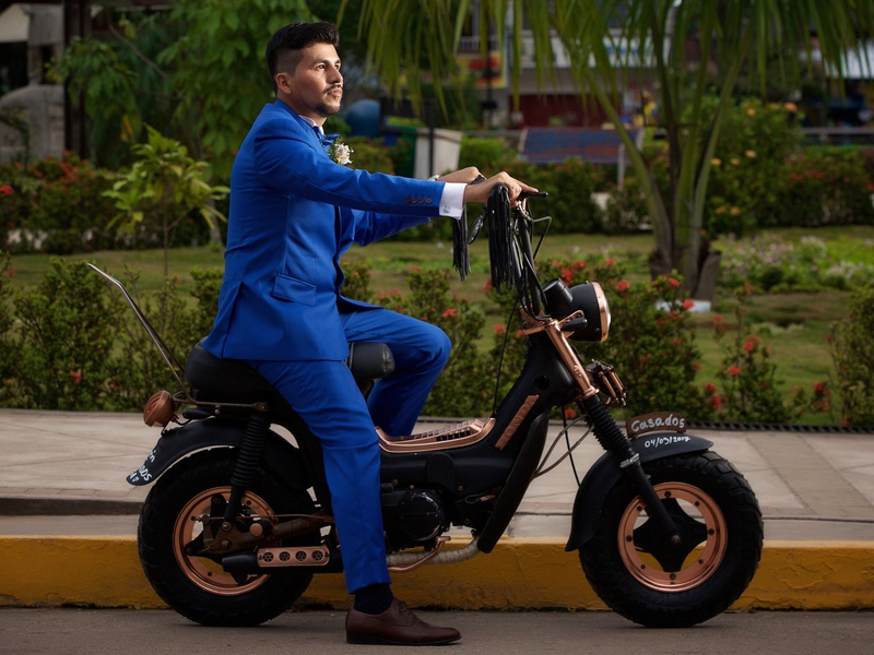 wedding motrocycle style chopper ride peru chaly honda custom design motocycle wedding
