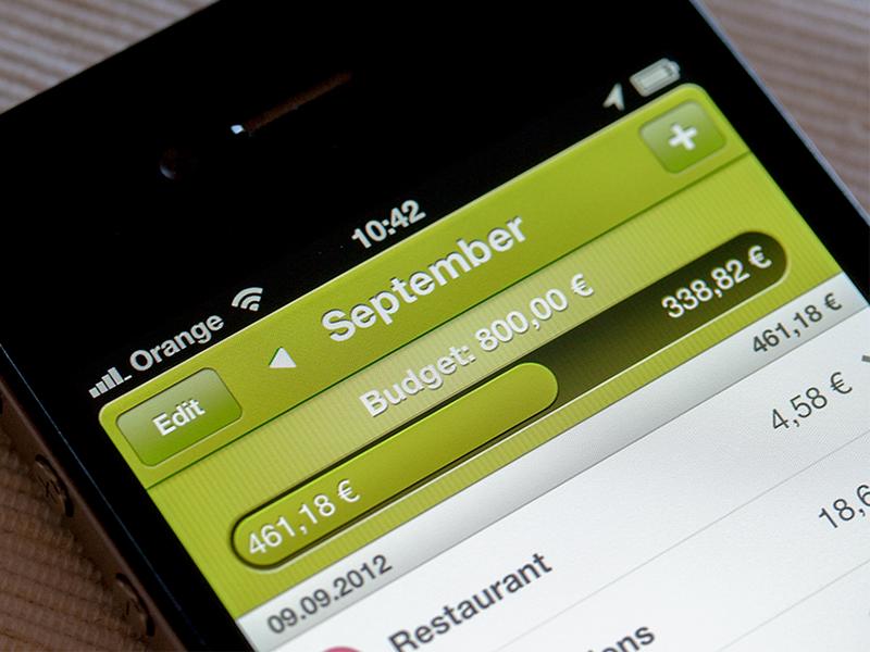 Primabanka iphone app budget progress bar ui light green