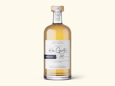 Tequila de la Gente - Label Design bottle alcohol tequila minimal design food and drink cpg branding logo