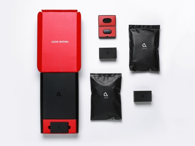 Athos Smart Apparel Packaging System pouch box layout shipper apparel packaging smart apparel fitness app fitness package design