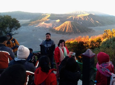 Paket Wisata Bromo dan Air Terjun Madakaripura 2 hari 1 malam indonesiatourism waterfalls hiking trekking travel waterfall mountain
