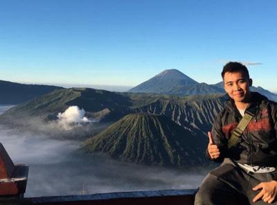 Paket Wisata Bromo midnight 1 hari 1 malam tourpackage trip trekking hiking travel volcano mountain