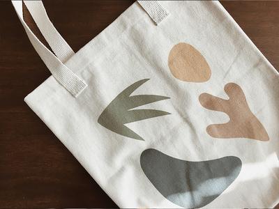 October 2017 - Oasis Tote Bag
