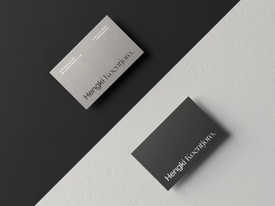 Unnecessary Business Card Presentation ⚫⚪