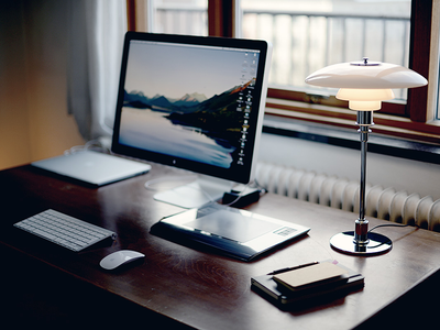 Workspace ubbedall workspace macbook photo photography desk desktop lamp apple wacom moleskine work notebook digitizer retina