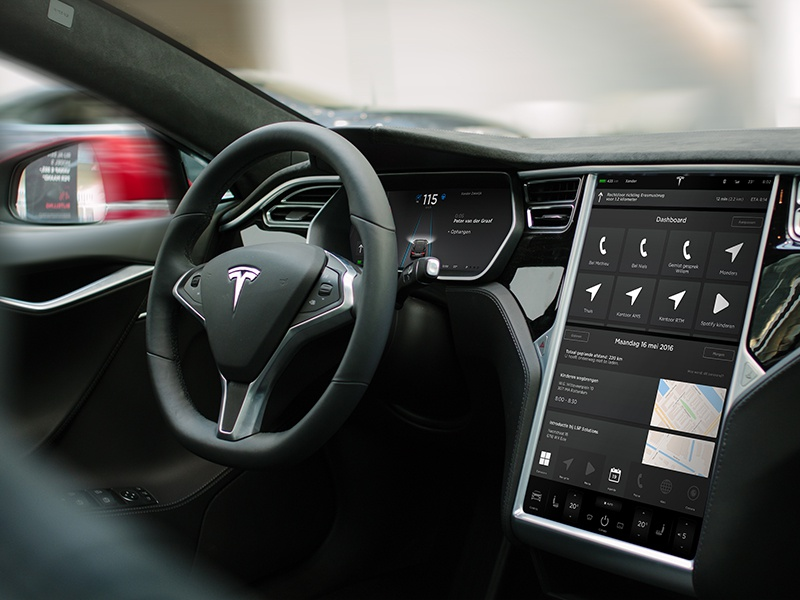 Tesla Dashboard Design presentation experience user tesla s model in-car cockpit ux ui car automotive