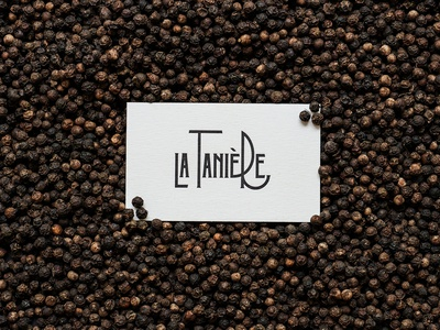 La Tanière card on peppers