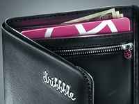 Hi Dribbble! It's Your Brand New Wallet!