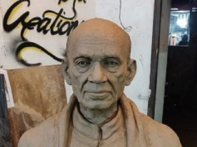 Statue Maker in Chandigarh - Hire One Now charcoal pencil drawing artwork images in chandigarh pencil sketch online sculpture and installation art interior design solutions statue maker in chandigarh