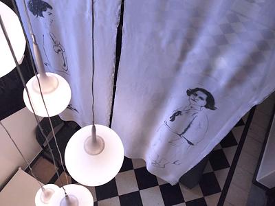 LUCIA TORRES – Instalación «MIGRANTE» en María Elena Kravetz Gal engraving on organza instalacion mariaelenakravetz 2021 migrante lucia torres