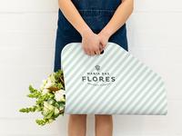 Maria das Flores - Flower Carrier