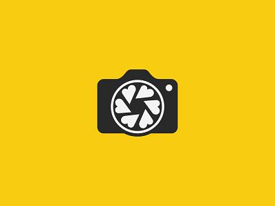 Family photographer photography mark symbol icon grey yellow shutter logo wedding family love heart camera photographer