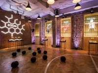 Nike Women Studio