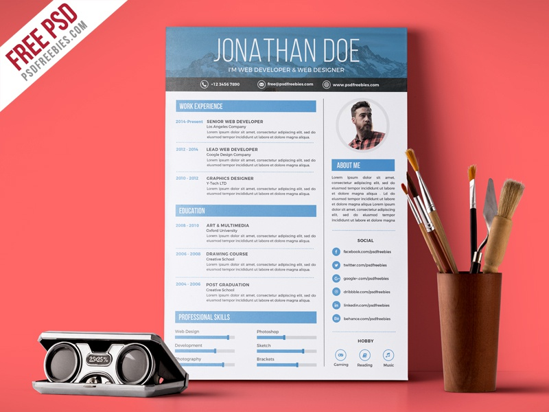 Free PSD Creative Graphic Designer Resume Template By