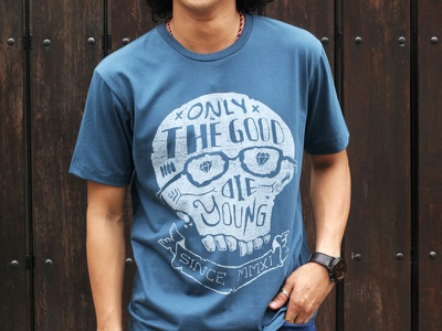 Die Young t-shirt typo hand lettering simple design skull skitchman