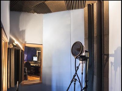 Sound proof vocal room app design branding illustration logo promotion music ui vector ux