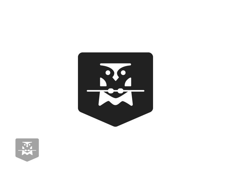 Owl  negative space animal minimal security logo lawyer legal law owl