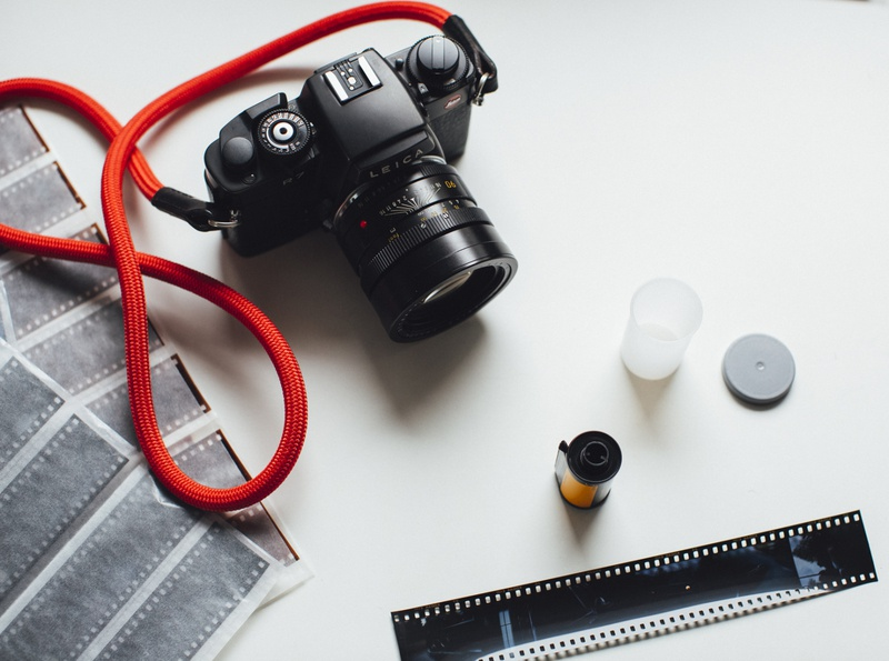 Analog Film Photography Leica R7 cc0 freestock imagery photography hipster hi-res freephoto download free freebie stockphoto free for commercial use