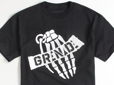 Grenade Gloves Skull Bomb grenade gloves t-shirt snowboarding
