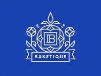 Baketique Crest