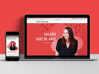Personal website circles dots cutout bright pink designer graphicdesigner designerwebsite personalwebsite patterns wix webdesign portfolio website