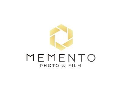 Memento Logo diaphragm luxury diafragma gradient logo film golden photography