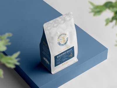 Conestia Omnimus Five whole bean visual dientity sidamo product design pouch packaging sleek design roastery retail manufacture label illustrator gusset design coffee bag coffee clean design brew branding aceh gayo