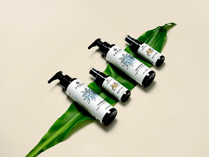 Freya Packaging logo design startup nature bottle icon beauty natural leaf skincare cosmetics logo design packaging branding logo