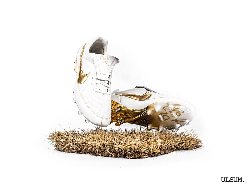 size 40 cd31c ba172 Nike Tiempo R10 'Touch of Gold' by ULSUM on Dribbble