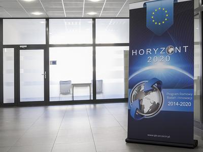 Horizon 2020 / branding & print materials rollup brochure horizon 2020 projects horyzontalnie horizon horizon 2020 rciitt